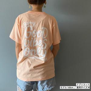 背中で語るTシャツ